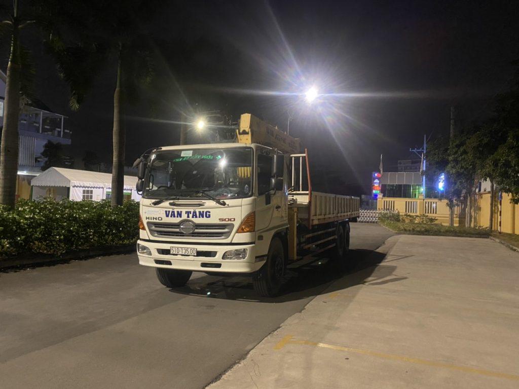 Cho thuê các loại xe cần cẩu phục vụ KCN Bình Dương HCM Long An Biên Hòa
